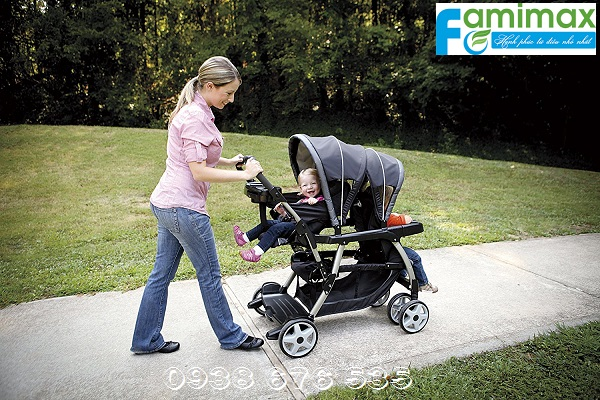 Xe đẩy cho trẻ sinh đôi