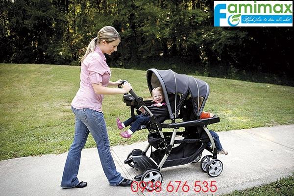 Xe đẩy đôi cho bé tại TPHCM