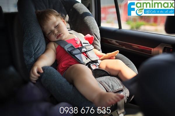 Kinh nghiệm mua ghế ngồi ô tô cho bé?